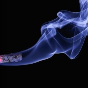アゼルバイジャンで当たり前の珍しいタバコ販売!