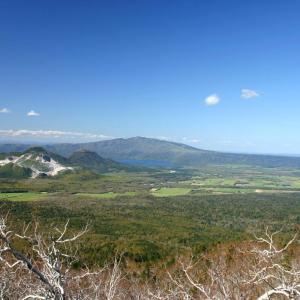 摩周第3展望台から見た硫黄山と屈斜路湖