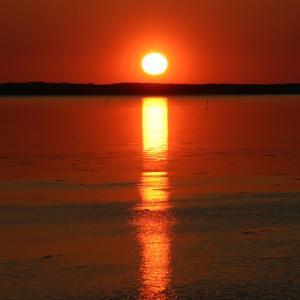 栄浦から見たサロマ湖に沈む夕陽