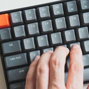 Macユーザーの最適解。メカニカルキーボード Keychron「K2」レビュー