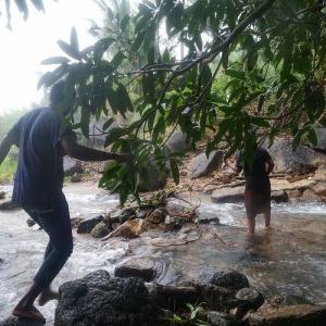 【ミャンマー旅行記 3日目後半】秘境のさらに奥地へ【熱湯に足を突っ込み火傷】