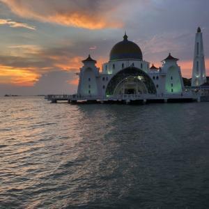 マラッカの観光ツアー ver マラッカ海峡モスク