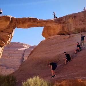 【ヨルダン】広大な砂漠を4WDで巡る ♪ ~ワディ・ラムのオフロードツアー