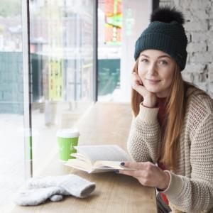 40代女性の冬のファッションにおすすめアイテムはニット!オシャレな印象でおすすめのものはコレ