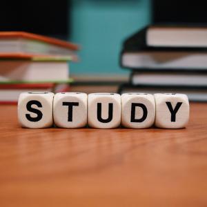 勉強期間1ヶ月でファイナンシャルプランナー3級に合格!試験に向けて行った勉強法とは