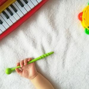 6ヶ月の赤ちゃんの成長に合わせたママ安心のおもちゃと知育玩具