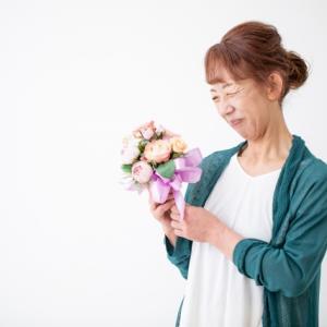 お花でおばあちゃんに感謝をお届け!花の定期便のメリット・デメリット