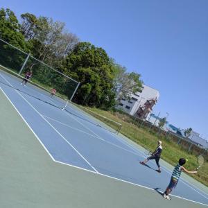 テニス 家族で団体戦
