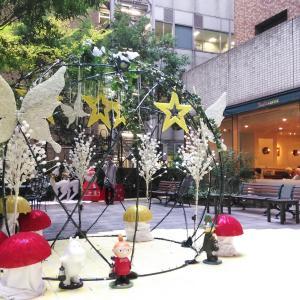 病院の中庭はクリスマスイルミネーション