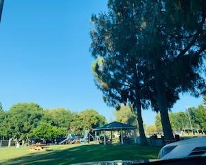 公園の駐車場で仕事をしなければならなかった理由