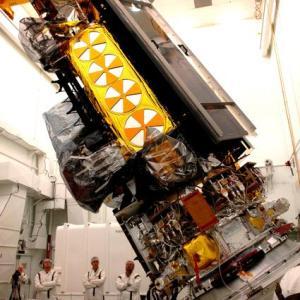 人工衛星製造時に発生した有名な事故から学ぶこと【宇宙機と製造、転倒】