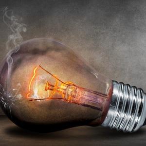 手順書や取扱説明書に書くべき電気の危険性