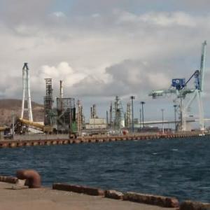 ある日の室蘭港