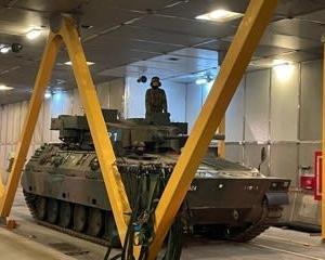 室蘭港で自衛隊の訓練が行われました。