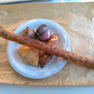 ハード系パンとベーグルが評判 「The ROOTS neighborhood bakery」