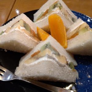 福岡の歴史ある老舗喫茶店でフルーツサンド「ブラジレイロ」