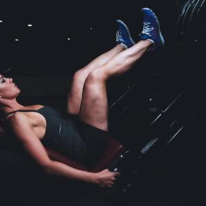 【筋トレ】脚トレなしで全身の筋肉量は増えない!おすすめの種目7選