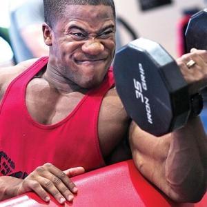 【筋トレ】太い腕への近道を解説。上腕二頭筋おすすめの種目4選