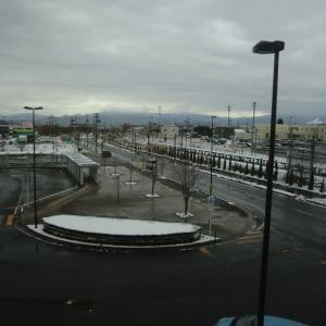 豪雪地帯なのに屋根が平らな訳は?
