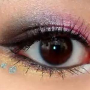 美しい瞳・健康な目を保つための食品。Foods For Sparkling Eyes