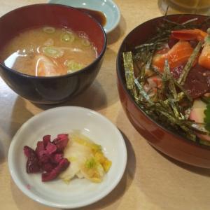 老舗の寿司屋で海鮮丼ランチ(光が丘)