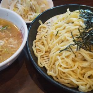 ボリュームが半端ないつけ麺(西新宿)