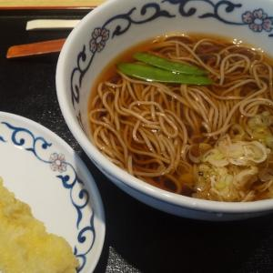 オシャレな雰囲気の立ち食いそば(上野)