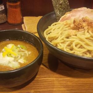 太麺と濃厚なスープが相性抜群(成増)