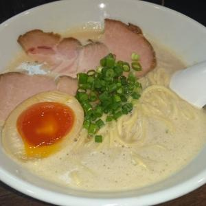 クリーミーなスープが絶品の超人気中華蕎麦屋