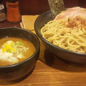 太麺と濃厚なスープが相性抜群