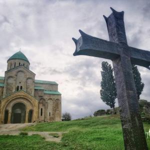 """ジョージア中部の都市 """"クタイシ""""!のどかな街の雰囲気・教会や噴水もおすすめ!"""