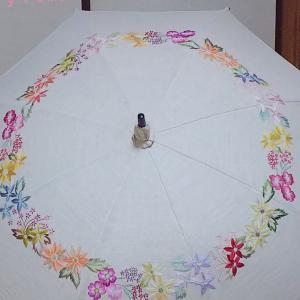 手刺繍の日傘♡派手だよっ✩