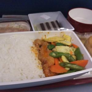 【フィリピン航空】フィリピン航空の機内食は意外と野菜が多いという話