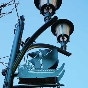 こんな街灯見つけました  船橋駅前商店会