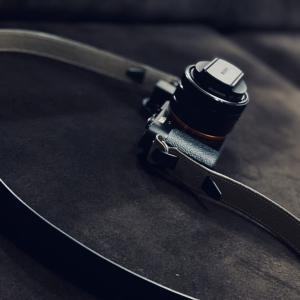 鳥井工房のカメラストラップ