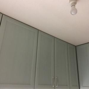 キッチンの吊り戸棚の収納