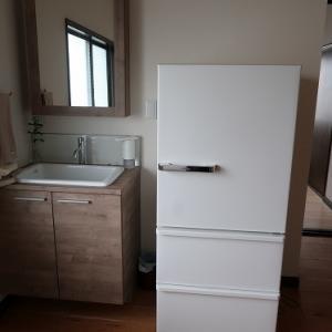 冷蔵庫設置完了です