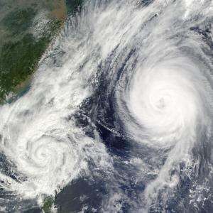 台風20、21号が発生