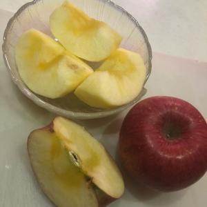 冬の果物「蜜がたっぷりの旬のリンゴ🍎」甘くておいしい💓