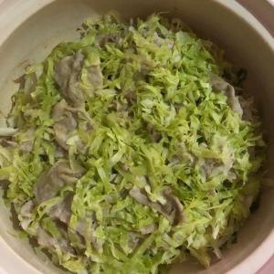 キャベツたっぷり❣️「ミルフィーユ鍋」ポン酢でさっぱり食べます♬