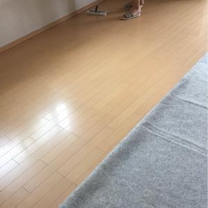 掃除⤴︎✨「リビングのフローリングの大掃除」大がかりや〜(⌒-⌒)💧