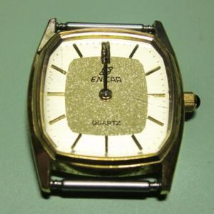エニカのクォーツ式腕時計(レディース)をヤフオクで落札したので時計チェックをする