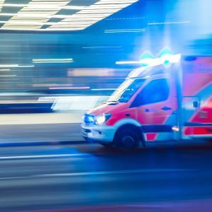 AEDを使って救急法を教えてた。【使い方ってわかる?】