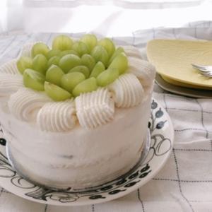 シャインマスカットのケーキ
