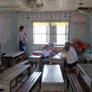 学校に来る子はたったの3人。