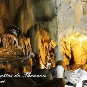 南仏Le thor(ル・トール)の美しすぎる鍾乳洞Les Grottes de Thouzon(レ・グロット・ドゥ・トゥーソン)