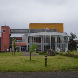 「西山ふるさと公苑(新潟県)」西遊記の像と広い駐車場がありました。