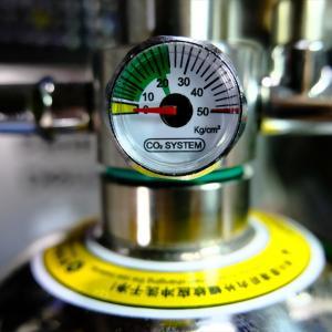1カ月ランニングコスト50円!?驚異のコスパ 化学反応式CO2生成器ジェネレーター PRO-D601sの重曹・クエン酸交換