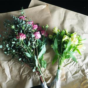 サッと生けるだけで素敵。お花の結び目の思いやり