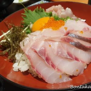 絶品!海鮮丼で舌づつみ♪